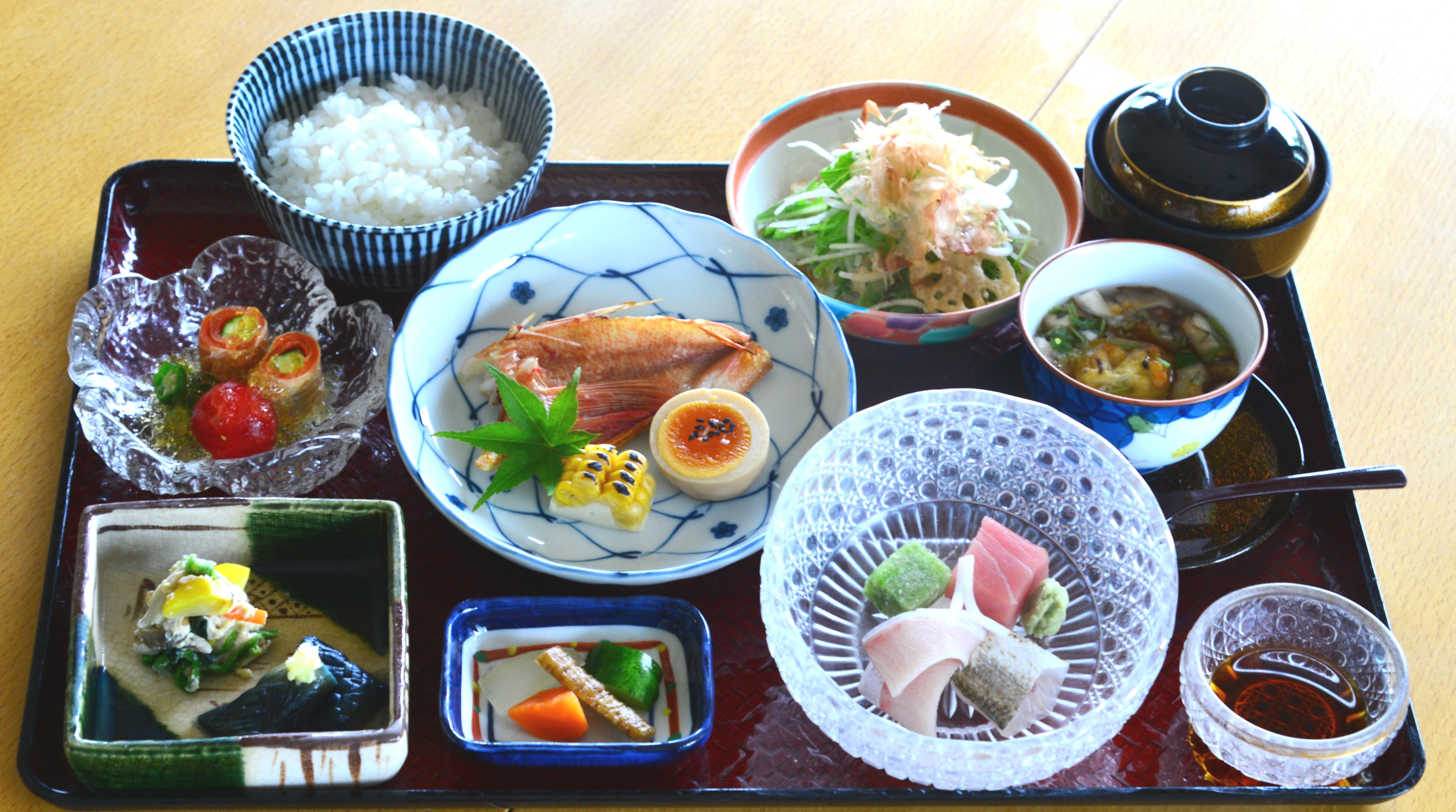 9月越の国御膳 魚 季節のお造り付